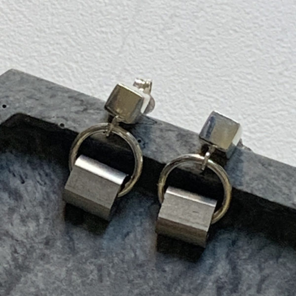 Silver cube and alu studs